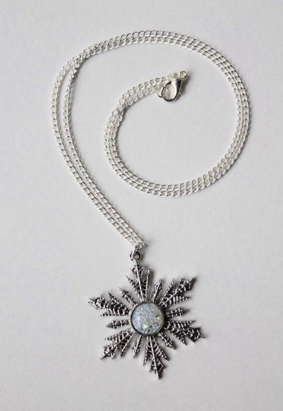 Halskette des Anhängers Schneeflockenkette gefroren Weihnachten Geschenk