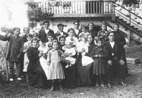 Familia extensa. Artea (Bizkaia), c.1930. Felipe Manterola. Archivo Fotográfico Labayru Fundazioa.