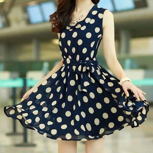 vestido de bolinha                                                                                                                                                      Más