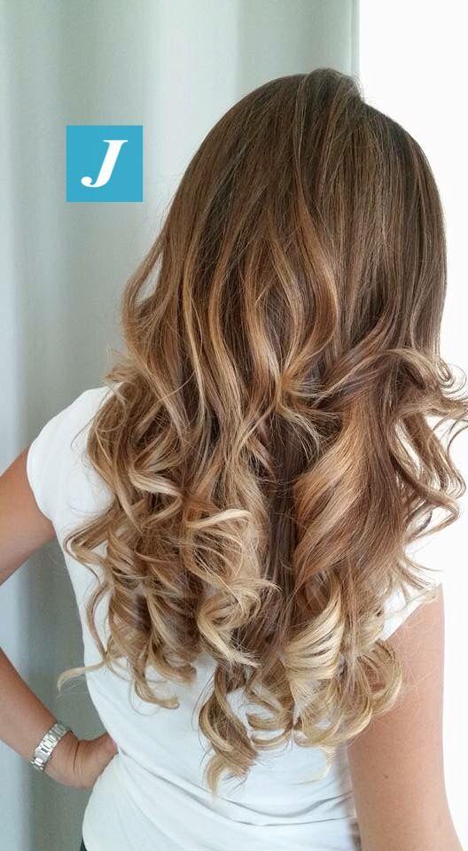 Le sfumature originali del Degradé Joelle. #cdj #degradejoelle #tagliopuntearia #degradé #igers #naturalshades #hair #hairstyle #haircolour #haircut #longhair #ootd #hairfashion