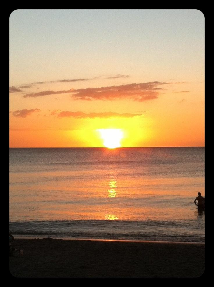 <3 <3 BeachCaptiva Island