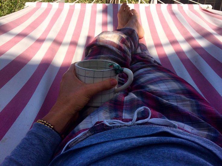 """104 Gostos, 4 Comentários - Andreia Barata Costa (@andreiacostahandmade) no Instagram: """"Easy like Sunday morning ☕️ ( depois da festa de ontem e + 3 miúdas a ficar cá em casa, isto é tudo…"""""""