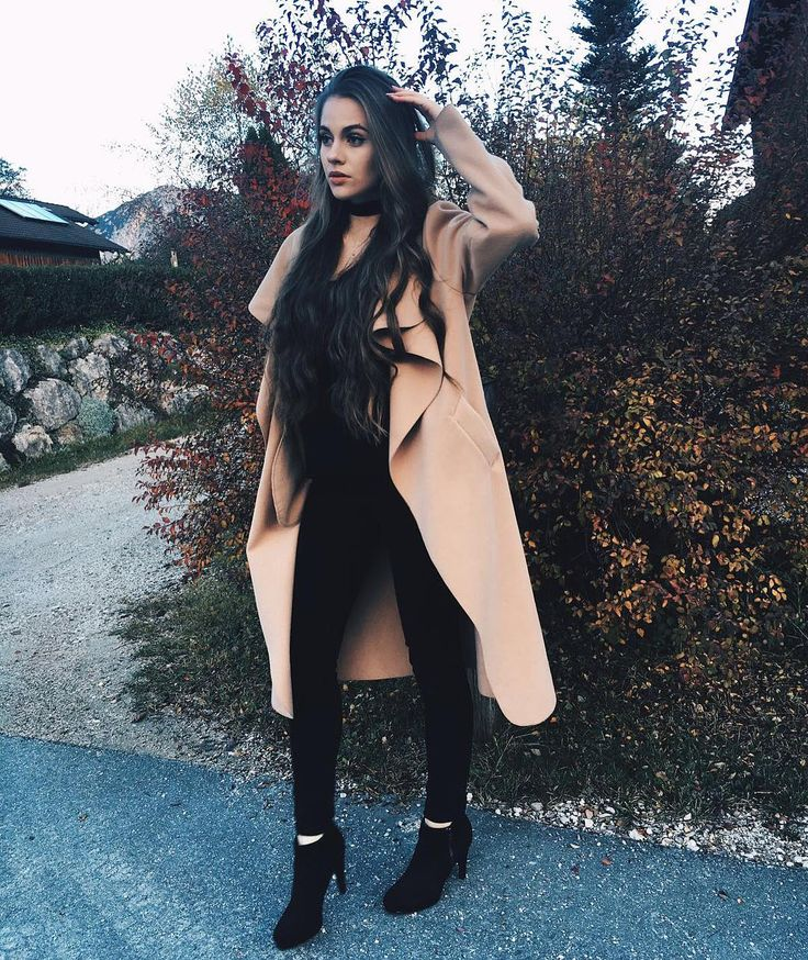 Fashionable @lisamarie_schiffner is weairng her camel draped open-front long coat. #stylish #lbsdaily #lookbookstoredaily #lookbookstore