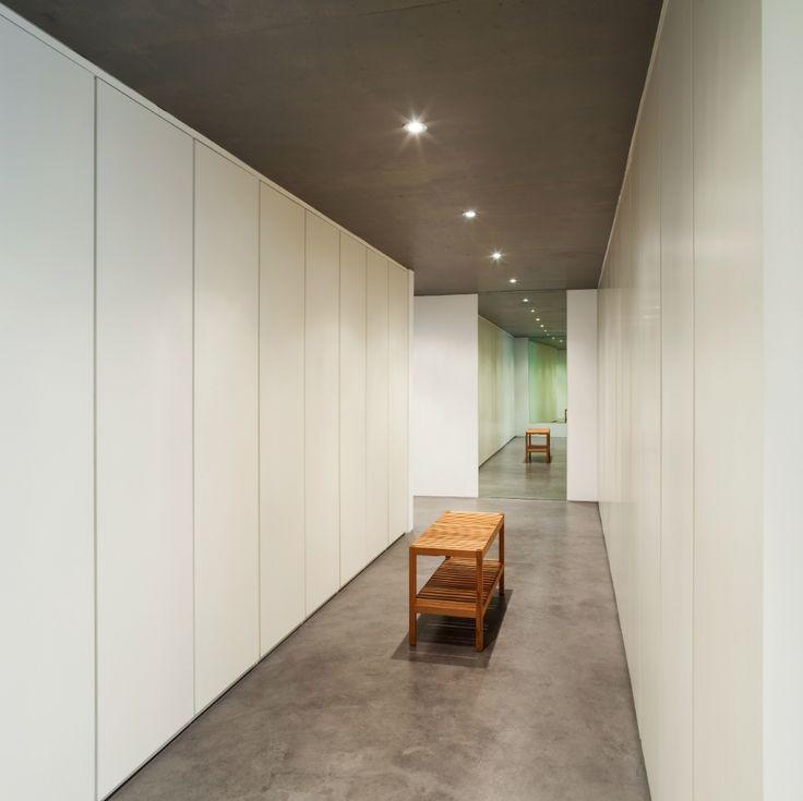 Roupeiros de abrir | Linhas Direitas - Soluções de Interiores, Lda • roupeiros, estantes, camas, tudo por medida