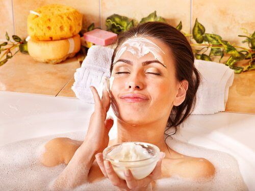 Dans cet article, nous vous invitons à découvrir le peeling facial à l'aspirine afin de restaurer et rajeunir votre peau.