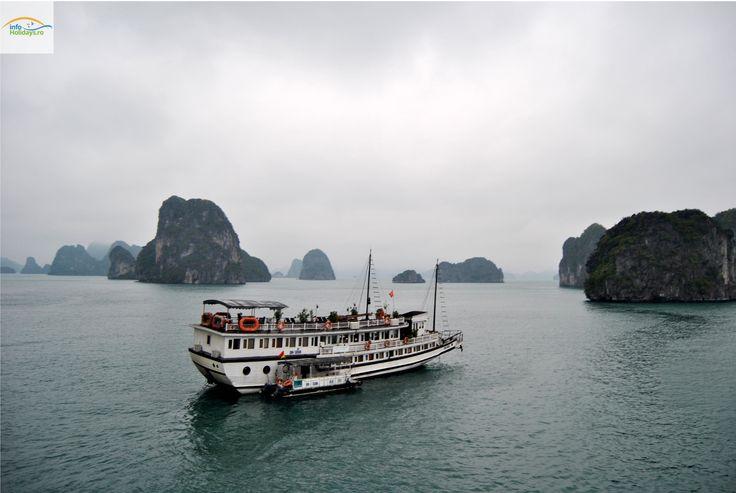 Unul dintre cele mai relaxante momente dintr-un circuit cu destinatia Vietnam este cu siguranta croaziera in Ha Long Bay! Ha Long Bay este unul dintre cele mai frumoase golfuri din lume cu peste …
