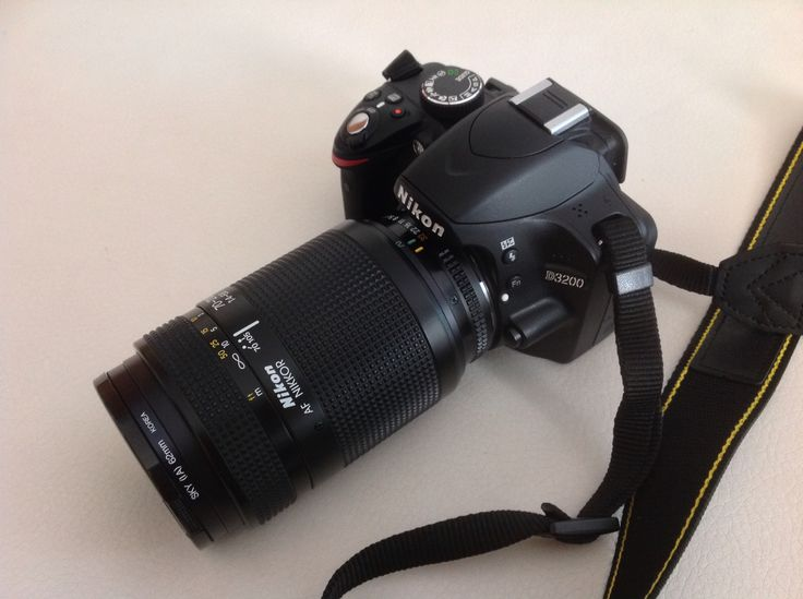 Nikon D3200 with Nikon AF-D 70-210mm Lens