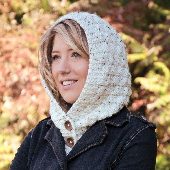Follow this free knit pattern to create a hooded tweed collar using Mary Maxim Aran Irish Tweed worsted weight yarn.