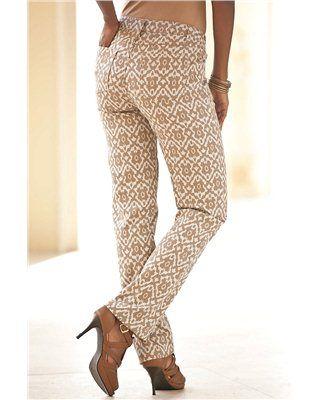 Jeans - Denim 24/7 De er så fede!! Har. Købt en indianer bluse til med frynser. Den er i farverne: Chan serer i offwhite og hen i creme-hvid. Den er så fin til jeans'ne. Og jeg kan tænke mig mokkasiner med lidt frynser  til det tøj. Så vil det være perfekt!!