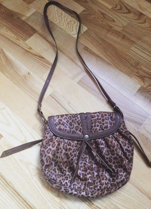 Kup mój przedmiot na #vintedpl http://www.vinted.pl/damskie-torby/torby-na-ramie/13147044-torebka-na-ramie-z-mango
