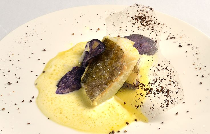 Merluzzo con Patate violette e dadi di Fave di cacao, un' eccellenza di pesce del Ristorante Gourmet il Palazzo