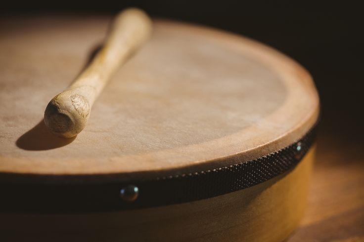 Where can you learn to play the Bodhran in Edinburgh?