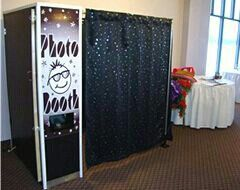 Cute Sweet 16 party photo booth