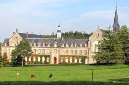 Abbaye de Bellefontaine (49122)