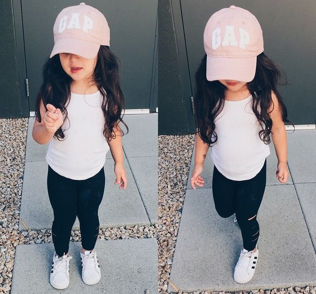 girls fashion | black leggings, white tee, white tennies, pink gap hat, toddler fashion, summer style, little, cute