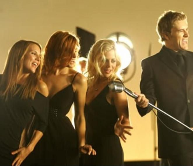 Brett Tucker & the girls