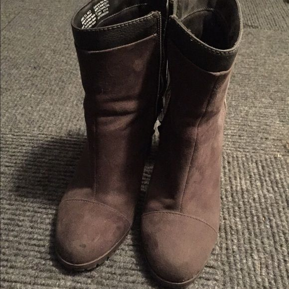 Women's Juicy Couture Heels Worn maybe once or twice. Still in great condition!!! Super stylish and comfy Juicy Couture Shoes Heeled Boots