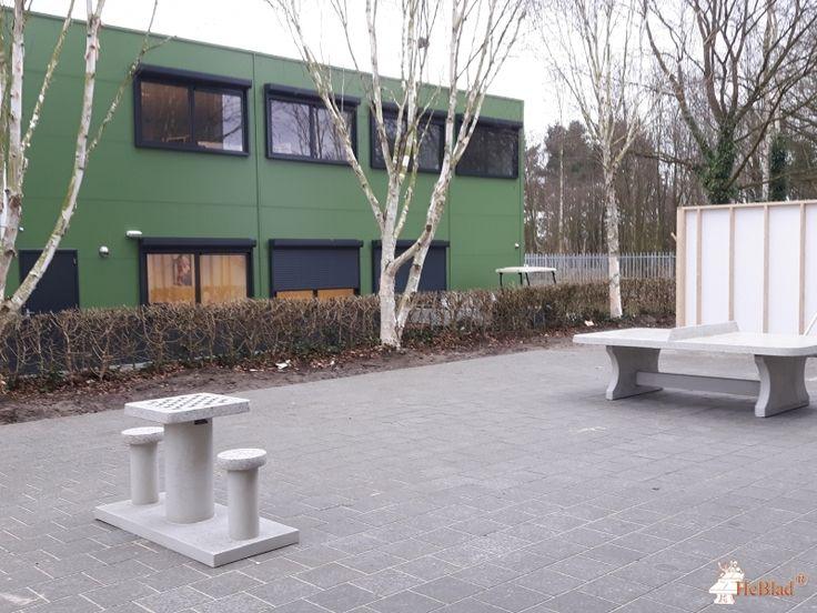 Betonnen Schaaktafel gepolijst bij COA Terrein Harderwijk in Harderwijk