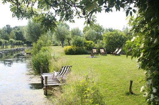 Bed & Breakfast Heerlijkheyd in Utrecht. Midden in het Groene Hart, met zicht op het weidse polderlandschap. Het gastenverblijf, net een complete vakantienwoning, bevindt zich in een voormalige koeienstal en biedt volledige privacy, er zijn geen andere gasten.