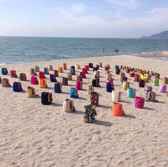 Mochilas Wayuu en la playa...