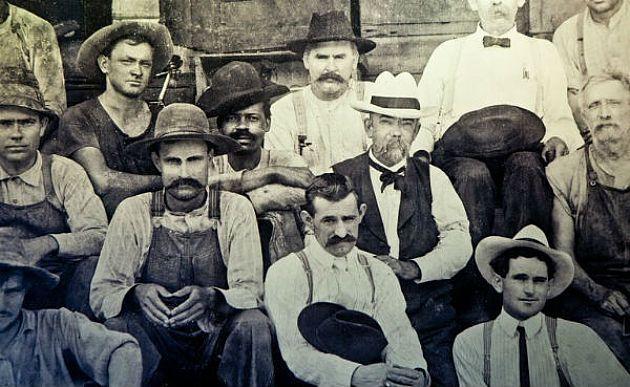 Jack Daniel's corrige sua história e assume que uísque foi criado com ajuda de um escravo-: A verdadeira versão mostra que o processo de destilação...