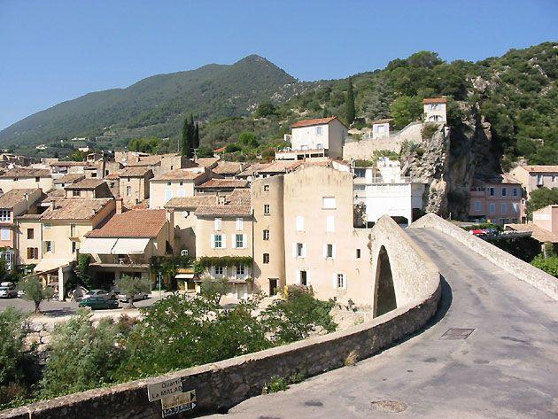 Nyons - Pont Roman - Drôme dept. - Rhône-Alpes region, France ...www.provence.guideweb.com