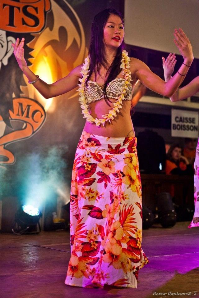 Danseuse tahitienne