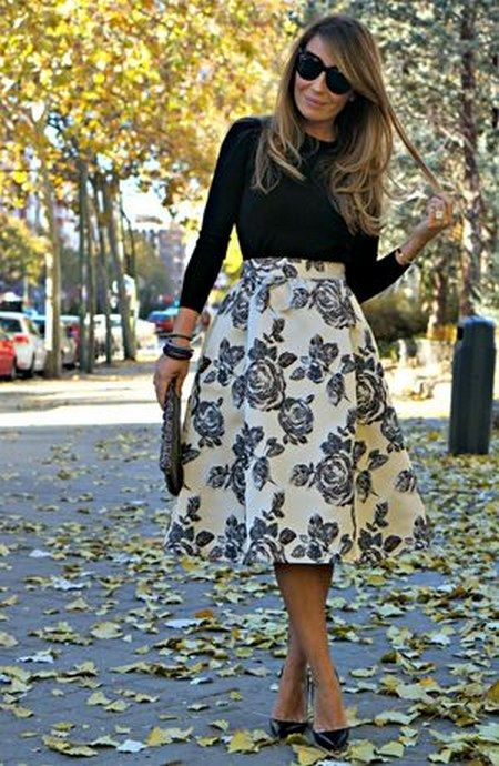 Full midi skirt in brocade fall wedding guest dress / http://www.himisspuff.com/wedding-guest-dress-ideas/5/