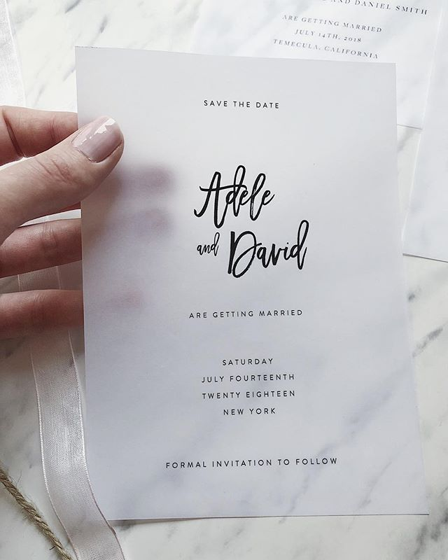 Obsessing over vellum right now 👆🏻 I like to use them over a couples photo / engagement photo, or even something more artsy like a watercolor drawing 🌙 〰️ #vellumpaper #velluminvitation #translucentweddinginvite