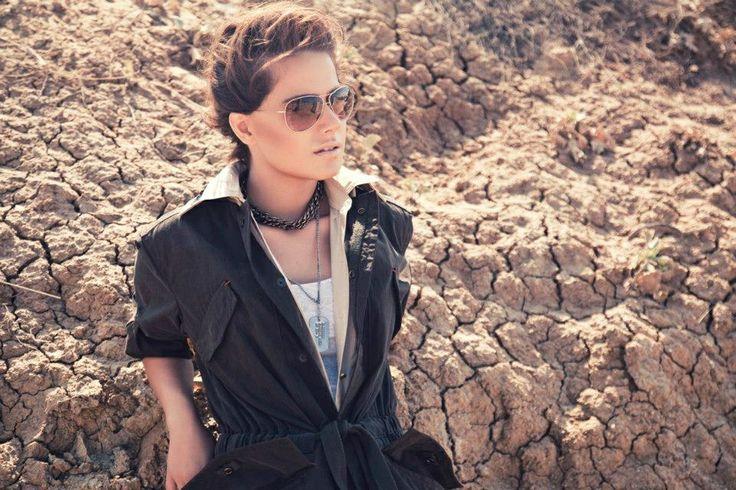 instyle Turkey pfotographer: Serhat Hayri fashion editor: Nazli Kayran makeup artist: Rifat Yuzuak hairstylist: Yildirim Bozuyuk model: Ceyda Ates