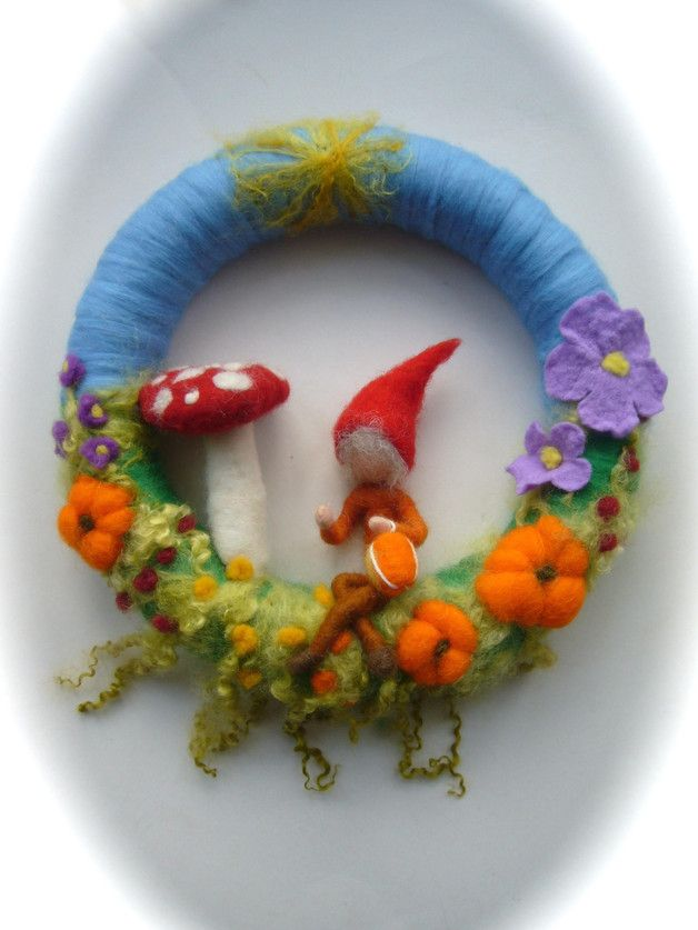 Jahreszeitentisch - Kranz Zwerg.gefilzt filz - ein Designerstück von Filz-Art bei DaWanda