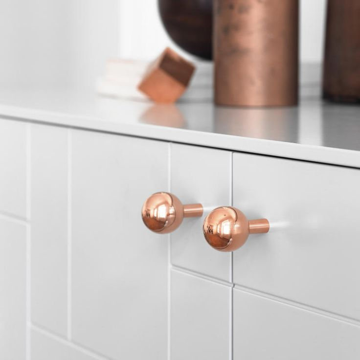 Handles for Superfront's vanity units