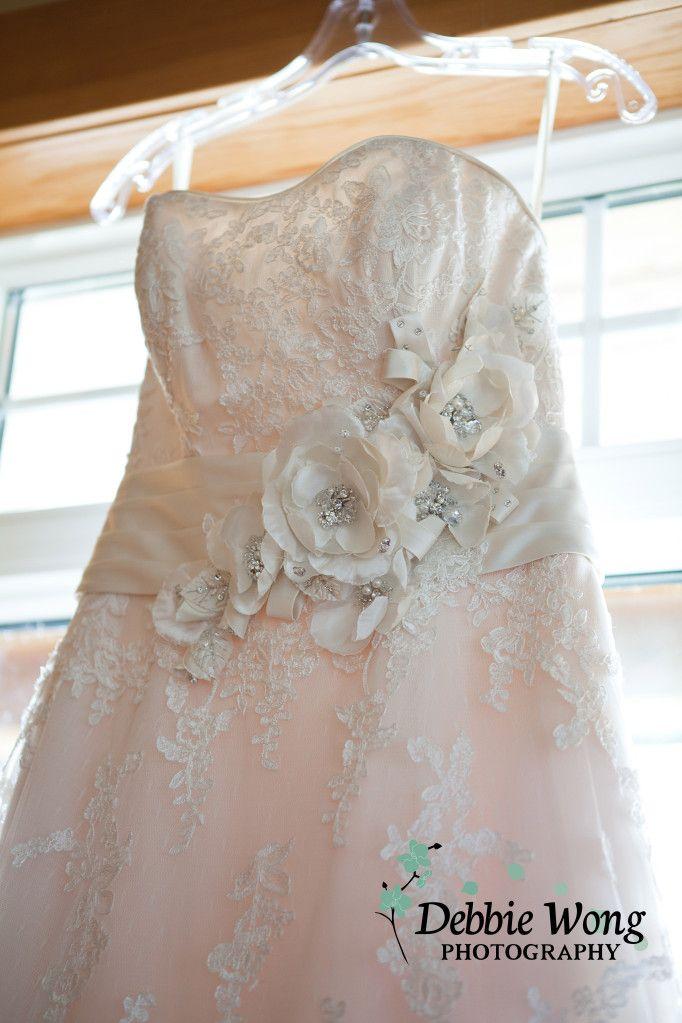 Love the lace detail. Debbie Wong Photography, Calgary wedding photography, www.debbiewongphotography.com