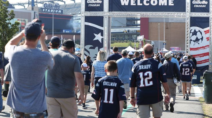 """#PATRIOTS """"#sorry"""" for #charging fans $4.50 for tap water..."""