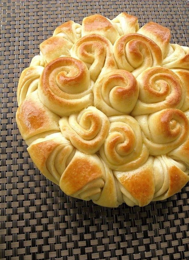 """""""Happy Bread..."""" Such a Beautiful Presentation for any Holiday Buffet.!"""
