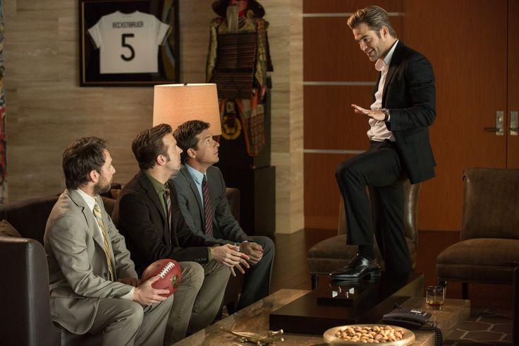 ¡Cómo acabar sin tu jefe 2! Nick (Jason Bateman), Dale (Charlie Day) y Kurt (Jason Sudeikis) vuelven a poner en aprietos a sus jefes. Una vez trataron de cargárselos... ¿¡Qué será esta vez!?