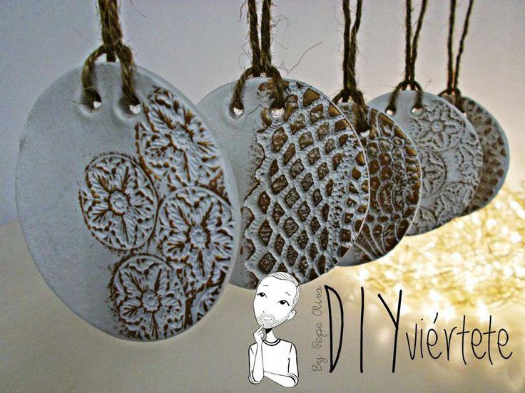 DIY-adorno navideño-ideas decoración-pasta de modelar-porcelana fria-fimo-arcilla polimérica-encaje-dorado-Navidad 1
