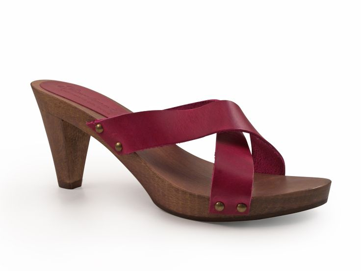 Fuchsia wooden clogs for women in real leather