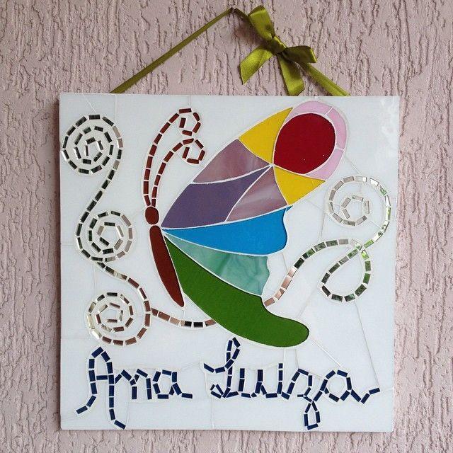 Quadro em mosaico de vidro, de 30 x 30cm, para decorar porta de quarto da criança e da maternidade, com nome do bebê.