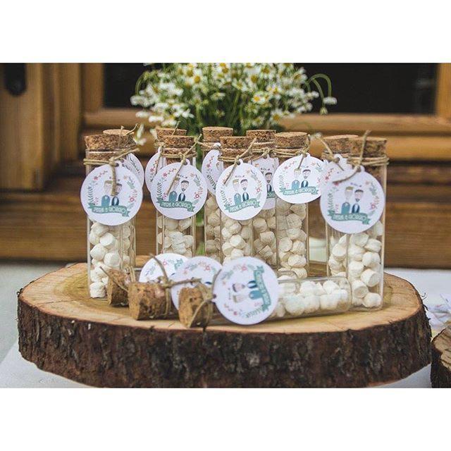 È ufficiale! Finalmente anche a Trento ora TUTTI potranno vivere la dolcezza del matrimonio!! L'amore vince, SEMPRE!! • bomboniere fatte da me con @pastiglieleone • #love #mrandmr #finallymrandmr #bomboniere #loveislove #pastiglieleone #favors #tag #tags #packaging #wedding #matrimomiogay #details #laluisahandmade #instatrentino #trentinodavivere #trentino #trento #notonlymama #percorsicreativi #weddingdecor #weddingtime #rusticwedding (📷 by @lefotodiclara )