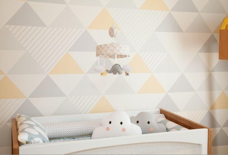 """A linha """"Premium"""" de papel de parede da ADcorista é recomendado para quem procura mais qualidade e facilidade na aplicação.  Um produto único e belo que alia classe e sofisticação na decoração de paredes e móveis.  Pode ser indicado à residências, hotéis, restaurantes, hospitais, entre outros. Po..."""