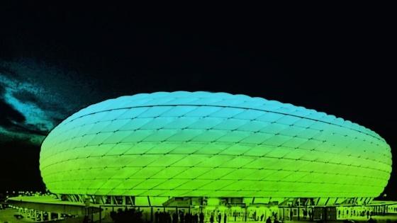 Wenn der FC Bayern im Champions-League-Finale auf Chelsea trifft, wird die Münchner Arena nicht in Blau und Rot leuchten, sondern eine ganz neue Optik erhalten. Teuer wird es für die Fans, die das Spiel im Stadion sehen wollen. Sehr teuer sogar.