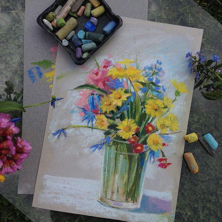 Как же приятно в такой солнечный весенний день рисовать этюды. #цветыпастелью #пастель #pastel #pastelpainting