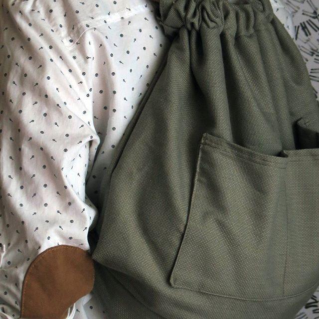 •  Nuestras mochilas -Josefa- son ideales para cuando uno está vestido medio formal y relajado al mismo tiempo.  •  •  •  #mochila #backpack #instamoda #bolso #casual  #michilas #bolsa  #moda #cajica #hechoencasa #hechoamano #makersgonamake #INSANNIA