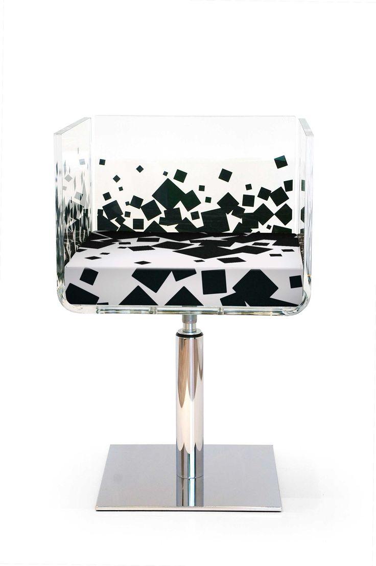 mobilier design, mobilier personnalisé, meubles design, meubles plexiglas, chaises design, chaises personnalisées, chaise 70's, fauteuil design, fauteuil 70's, fauteuil transparent