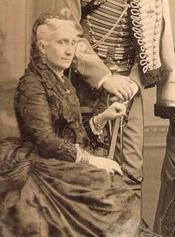 L'Infante Luise Fernanda, soeur de la reine Isabel II, épouse du prince Antoine d'Orléans, duc de Montpensier