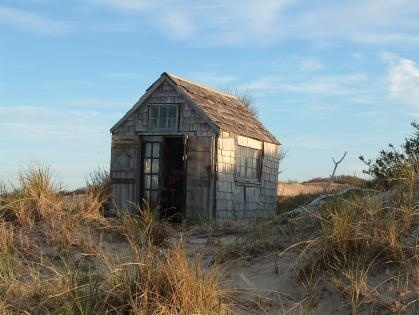 i want a dune shack! cape cod dune shacks community in truro, massachusetts. photo by suzanne lewis.