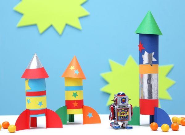 Raketen, Papprollen, Weltraum, DIY, Basteln mit Kindern, Kindergeburtstag, produziert für tambini.de