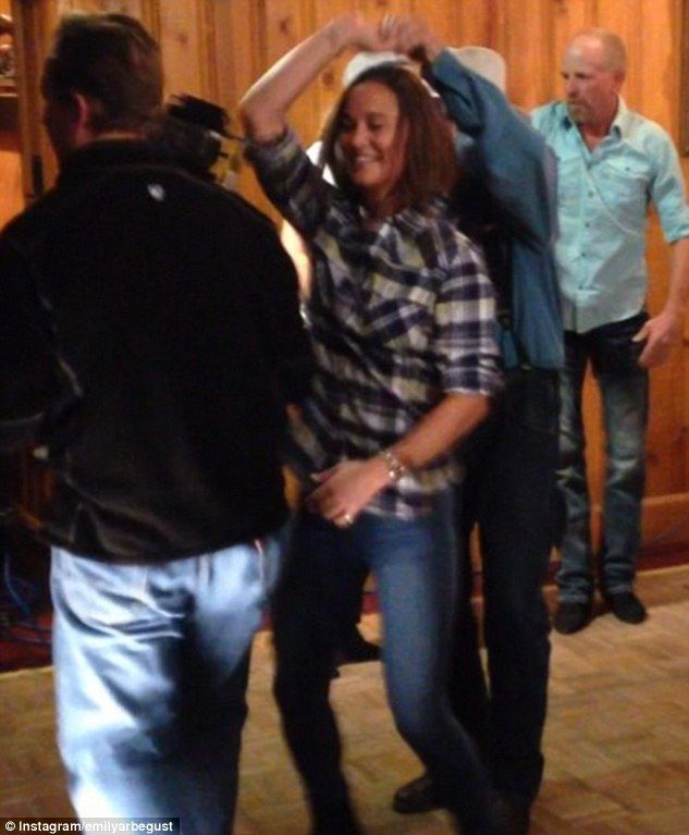 Take your partners for a hoedown! Pippa tries her hand at dancing with a local at a bar in Jackson Hole, Wyoming as a cameraman films her in what was believed to be a test segment for NBC's Today show  Read more: http://www.dailymail.co.uk/femail/article-2825290/Pippa-Middleton-makes-way-Wyoming-airport-giant-teddy-bear-swing-dancing-locals-camera.html#ixzz3IOP0kiop  Follow us: @MailOnline on Twitter | DailyMail on Facebook