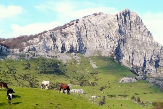 17 best images about los mejores paisajes naturales del for Piscinas naturales pais vasco